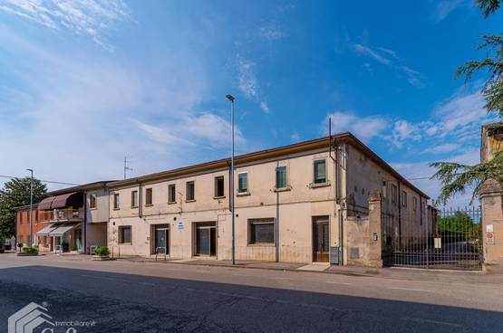 Detached House San Pietro di Morubio MA1491