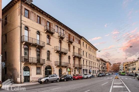 Appartamento cinque locali Verona LS1557