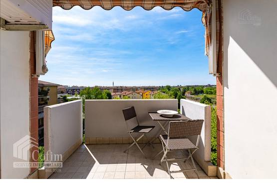 Five-rooms Apartment Verona EL1576
