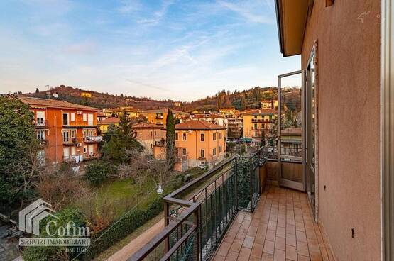 Four-rooms Apartment Verona LS1584