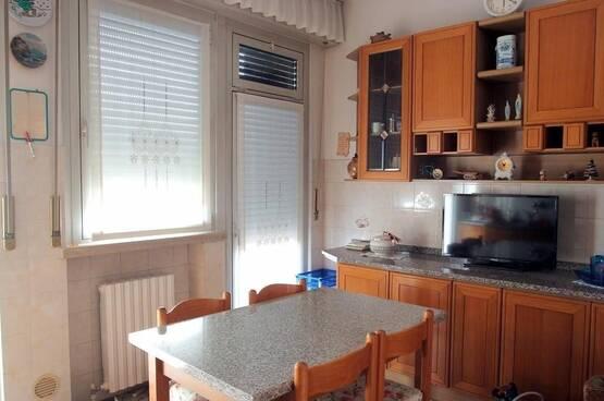 Five-rooms Apartment Verona LS1585