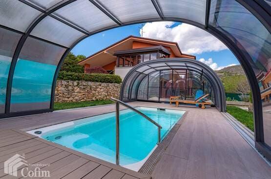 Villa con piscina ed ascensore interno Verona (Parona)