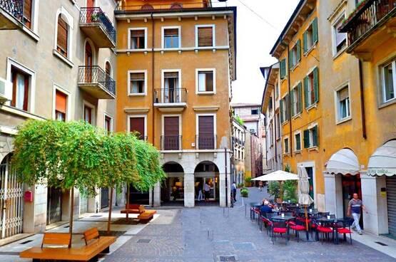Four-rooms Apartment Verona LS1626