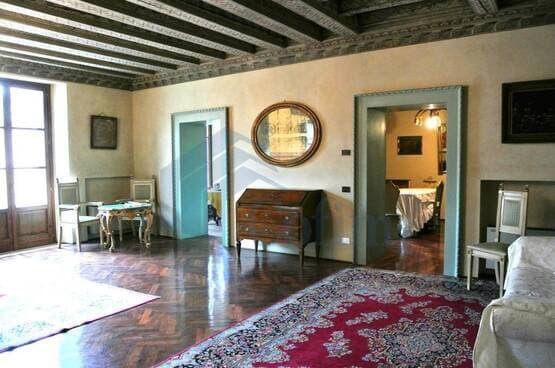Five-rooms Apartment Verona LS1632