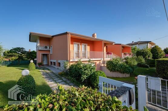 Villa bifamigliare Castelnuovo del Garda MA0071