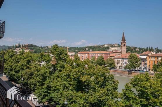 Appartamento cinque locali Verona MA1733