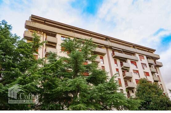 Appartamento cinque locali Verona LS1741