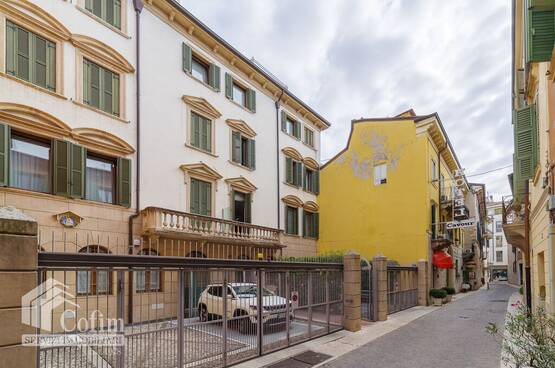 Five-rooms Apartment Verona MM1749